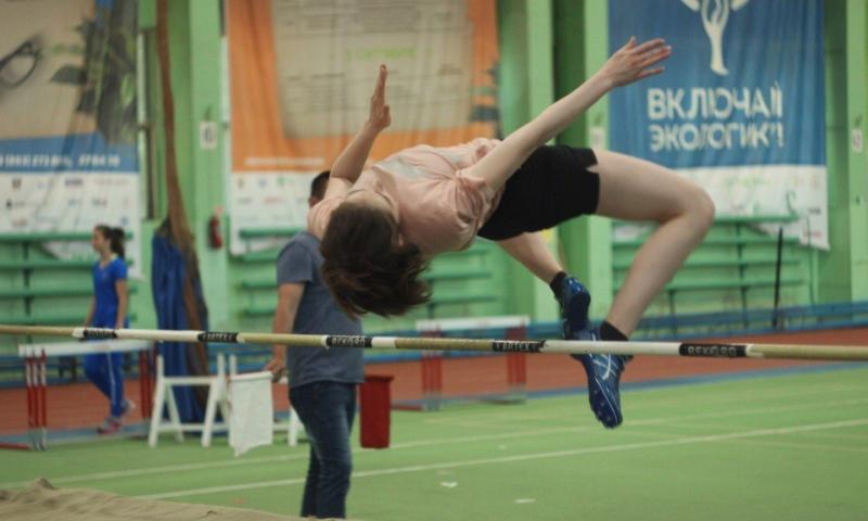Шахтинские легкоатлеты завоевали семь медалей на первенстве Ростовской области