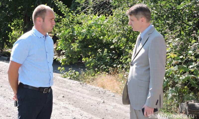 Глава администрации г. Шахты  проверил качество ремонта дорожного покрытия грунтовых дорог