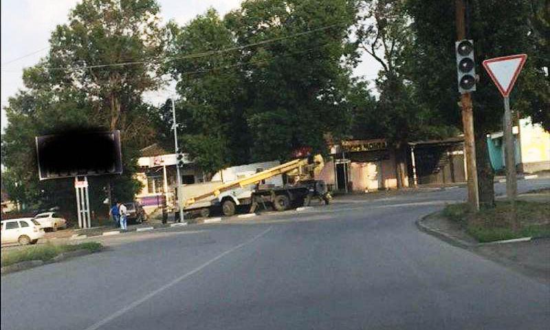 В Шахтах на перекрестке улиц Парковая и Красинская установили светофоры