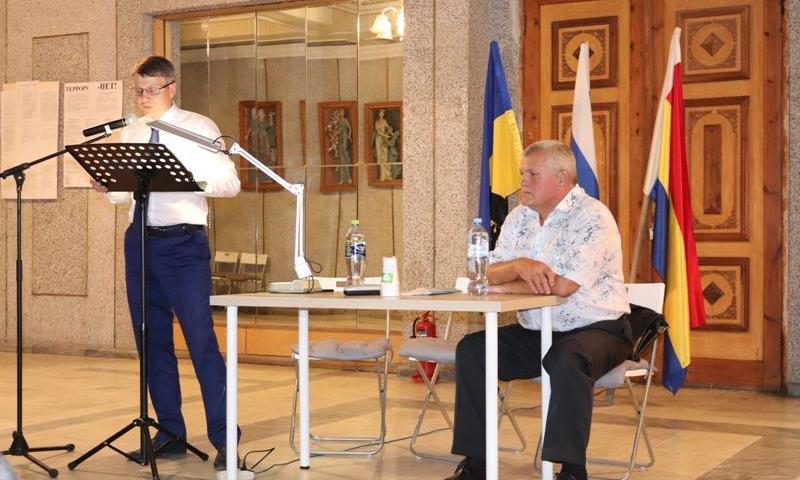 Глава администрации города Шахты Андрей Ковалев встретился с жителями поселка Майский