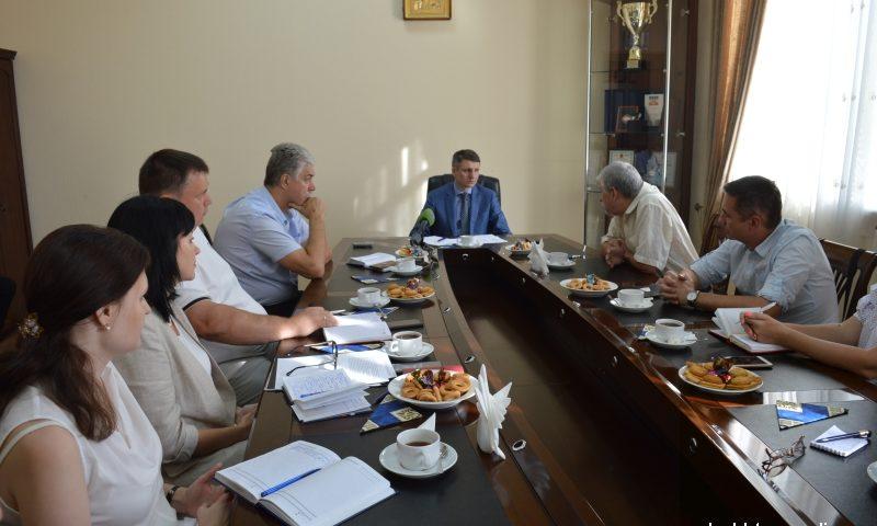 Глава администрации встретился с членами Клуба редакторов г.Шахты