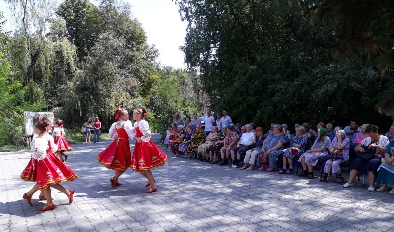 В Шахтинском пансионате для престарелых и инвалидов отметили День города и День шахтера