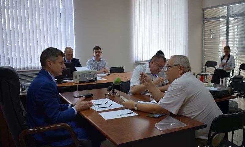 Глава администрации г.Шахты Андрей Ковалев провел прием граждан