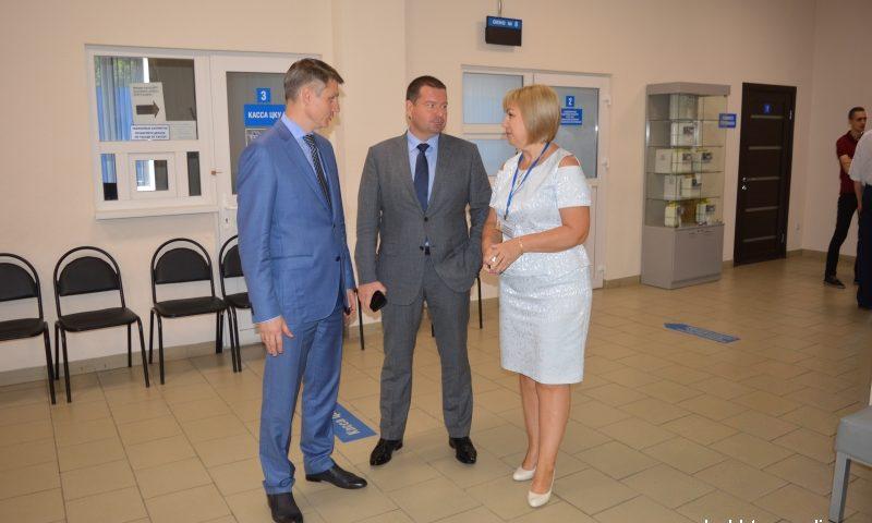 """Глава администрации г.Шахты посетил """"Шахтымежрайгаз"""" и заключил договор на обслуживание внутридомового газового оборудования"""