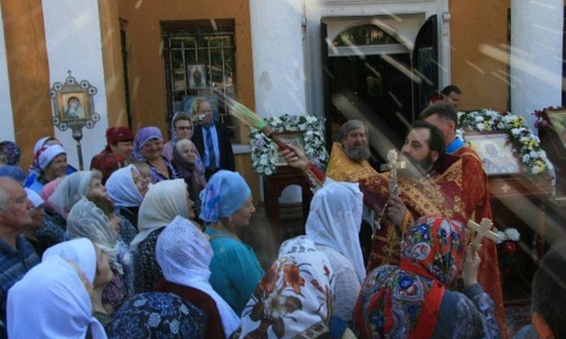 Настоятель Патриаршего Вознесенского собора возглавил служение Божественной литургии в единственном в России храме в честь донского святого – священномученика Захарии (Лобова)