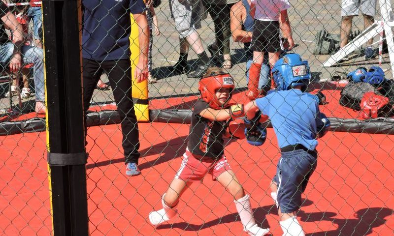 Спортивная школа № 5  г. Шахты проводит День открытых дверей в легкоатлетическом манеже