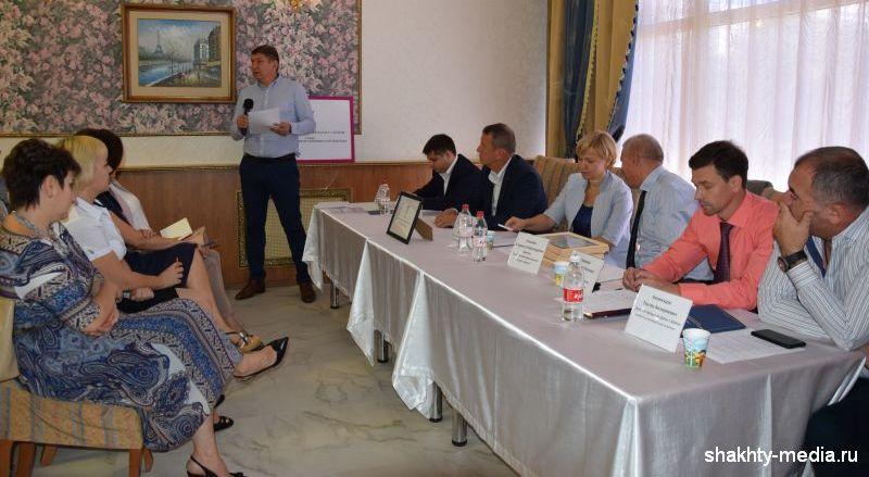 Возможности и преимущества системы торгово-промышленных палат обсудили в Шахтах