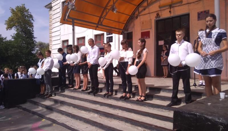 В школе №27 г.Шахты провели час памяти