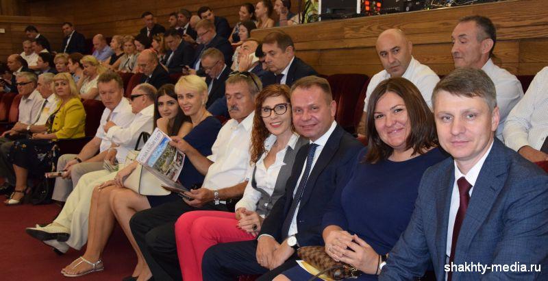 Шахтинская делегация приняла участие в торжественном собрании, посвященном  81-ой годовщине образования Ростовской области