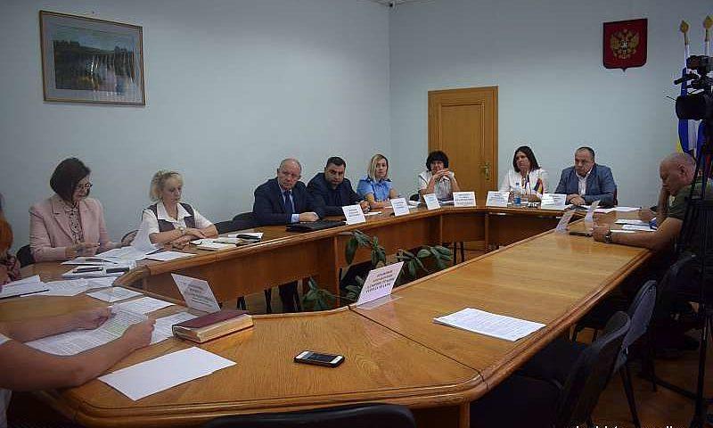 Шахтинцев наградят Почетными грамотами и Благодарственными письмами городской думы на 40-ом заседании