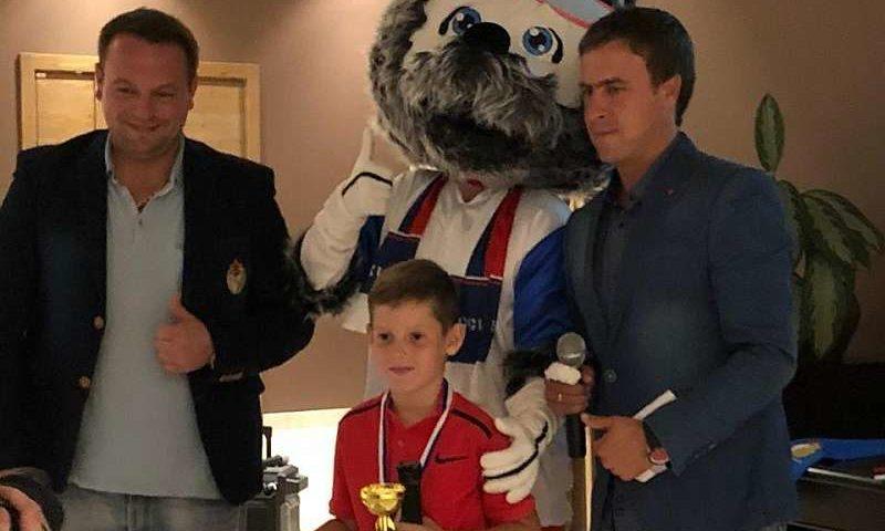 Шахтинец стал призером теннисного турнира