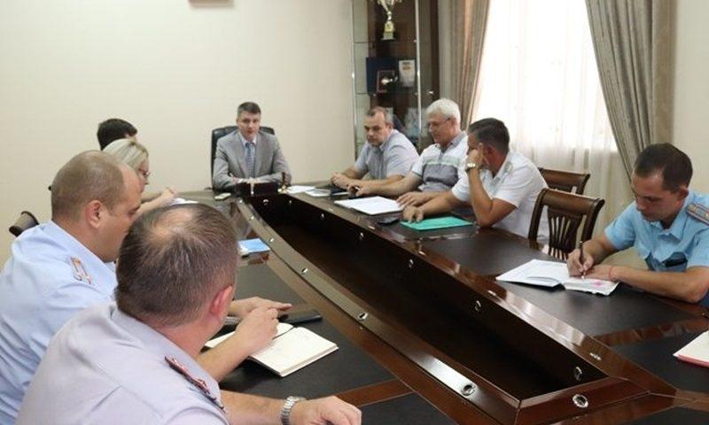 Глава администрации Андрей Ковалев провел очередную рабочую встречу с руководителями федеральных структур