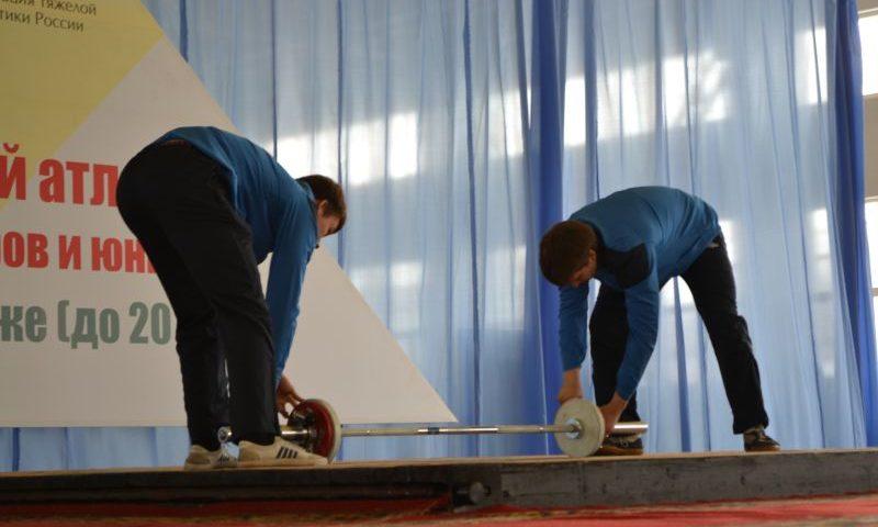Донская столица принимает чемпионат России по тяжелой атлетике