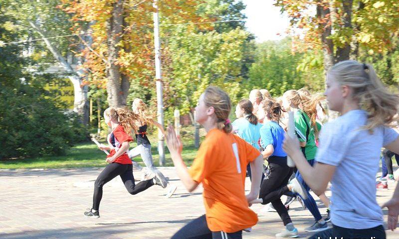 Победителем городской легкоатлетической эстафеты снова стала команда из школы № 27