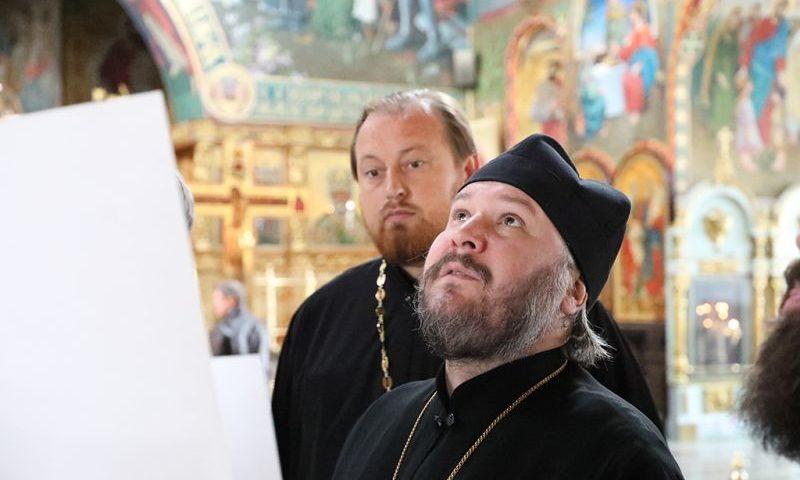 Преосвященнейший епископ Симон провел совещание по художественной росписи Покровского кафедрального собора г. Шахты