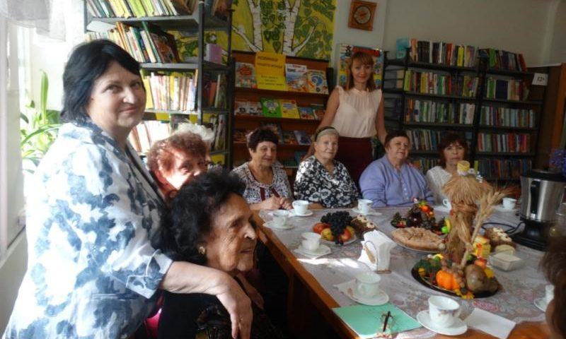 В клубе Красина прошла встреча в кругу друзей «За чашкой чая», посвященная Дню пожилого человека