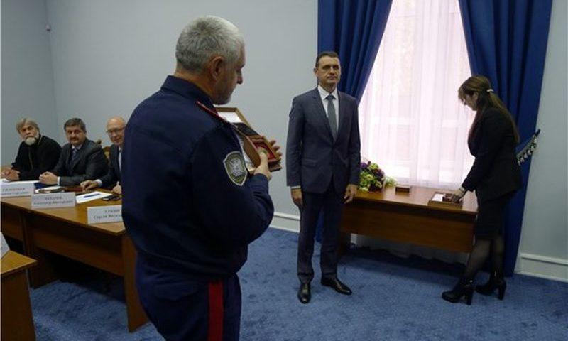 На заседании общественного совета при департаменте по делам казачества обсудили вопросы патриотического воспитания