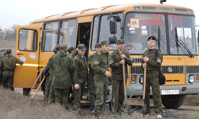 Губернатор поручил обеспечить новым транспортом все кадетские корпуса Дона