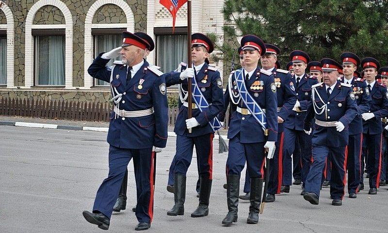 Шахтинские кадеты приняли участие в митинге на площади Ермака, посвященном памяти донского генерала Я.П. Бакланова