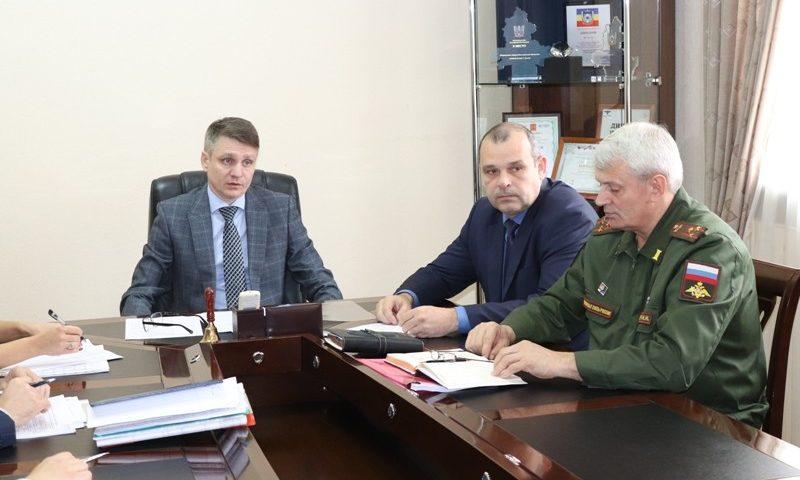 Глава администрации г.Шахты провел рабочую встречу с руководителями федеральных структур