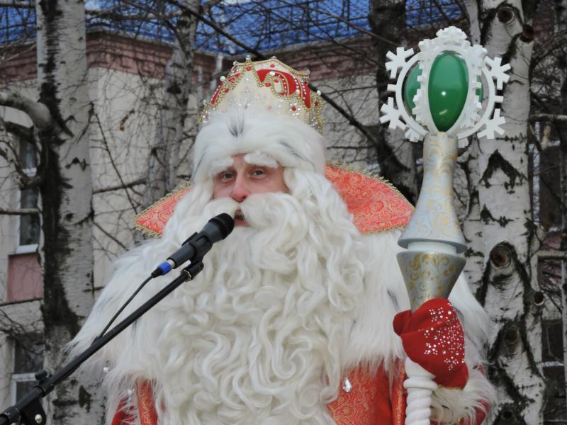 Полицейский Дед Мороз принес подарки в детские сады г.Шахты