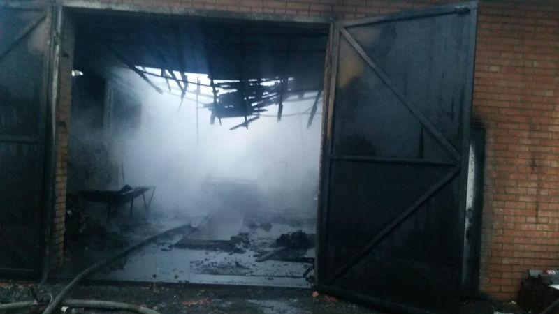Пожар чуть не унес жизнь хозяина частного дома в городе Шахты