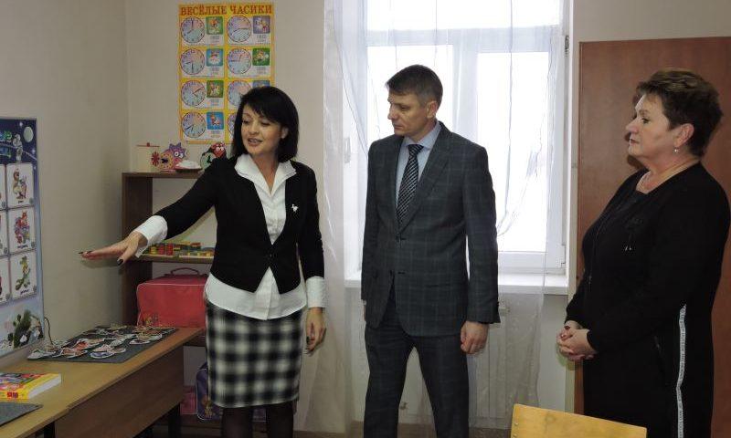 Глава администрации города Шахты побывал в частном (некоммерческом) детском центре дополнительного образования «Умка»