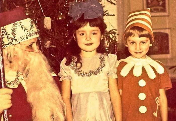 Снежинки и лисички, Мальвины, Буратино. А кем вы были на новогодних утренниках?