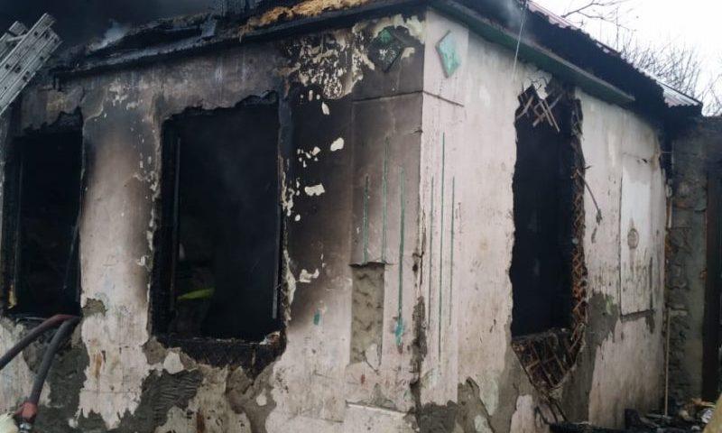 В Шахтах в пожаре погибли двое детей и двое взрослых