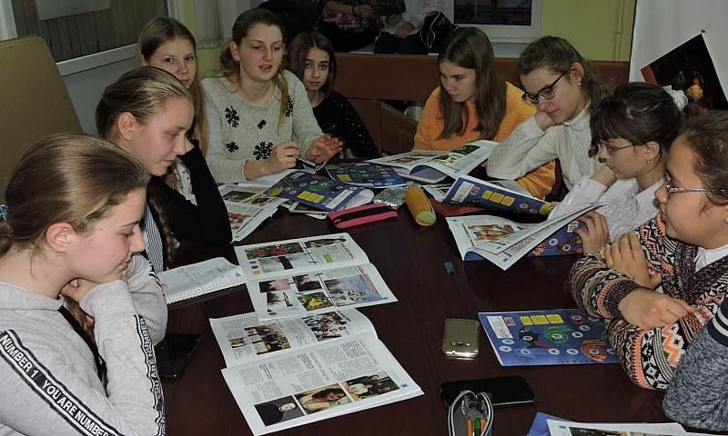 """Редсовет детской газеты """"ШАНС"""" разработал новогодний номер"""
