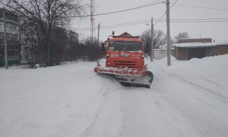 В поселках Майский и Южный г.Шахты почистили дороги от снега
