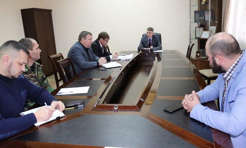 Глава администрации обсудил с директорами вузов возможность участия студентов в народных дружинах