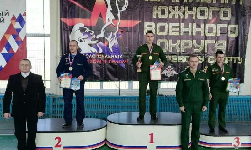 Шахтинец взял «золото» на  Чемпионате южного военного округа по армейскому гиревому спорту