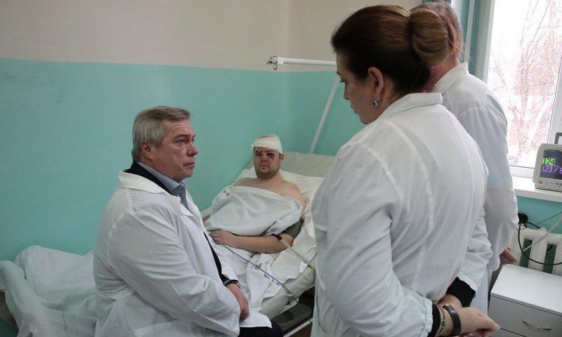 Губернатор навестил в больнице пострадавшего в результате ЧП мужчину