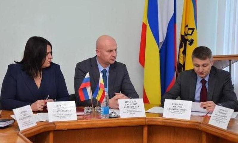 Глава Администрации Андрей Ковалев принял участие в собрании депутатской группы «Единая Россия»