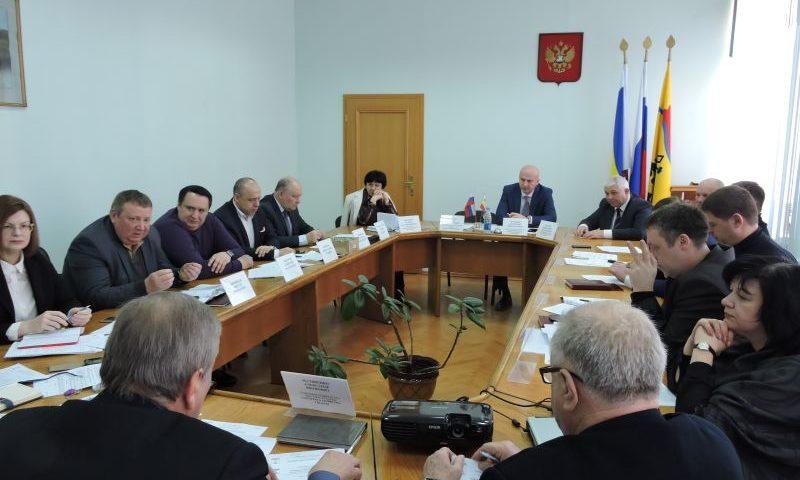 В городской думе г. Шахты  прошло заседание комитета по градостроительству, землепользованию и транспорту