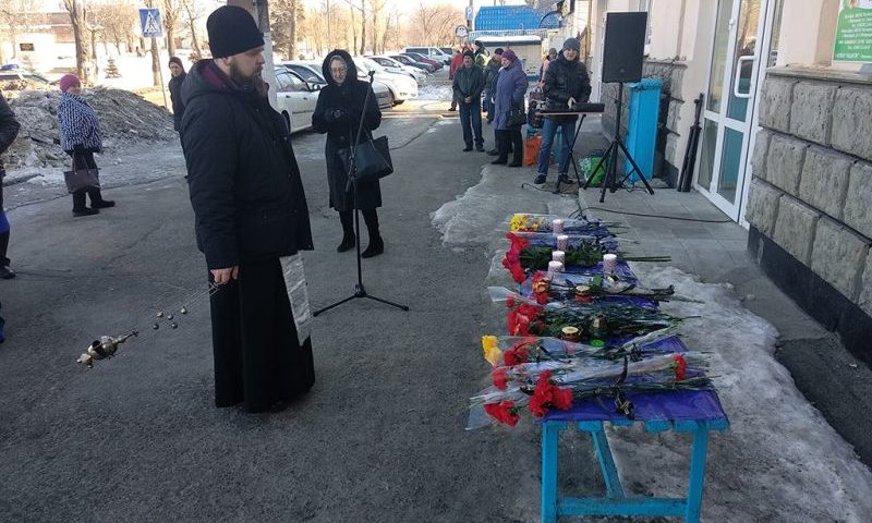 В г. Шахты, Миллерово и других молились о жертвах страшной аварии на трассе М-4 «Дон»