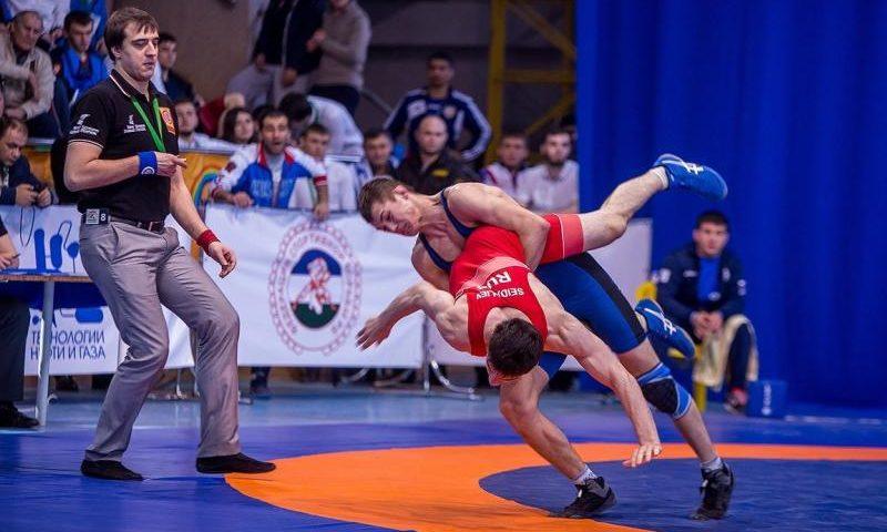 Шахтинский борец Сергей Кутузов получил звание мастера спорта России