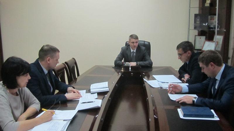 В администрации г. Шахты обсуждены вопросы финансово-хозяйственной деятельности муниципальных предприятий