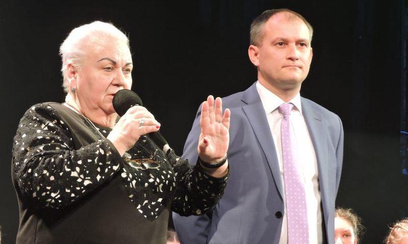 На сцене  Шахтинского драматического театра прошел совместный концерт учителя и ученика (МНОГО ФОТО, ВИДЕО)