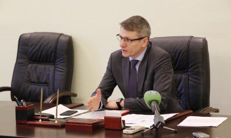Глава администрации г.Шахты остался недоволен качеством работы сотрудников в вопросах исполнения поручений
