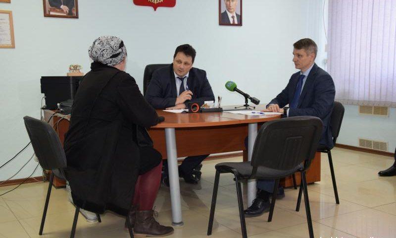 Заместитель губернатора Ростовской области провел прием граждан в Шахтах