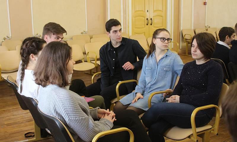 В третий раз ГДДТ организовал интеллектуальную игру «Умники-разумники»