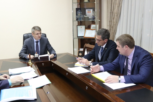 Глава администрации провел рабочее совещание по вопросам обеспечения жизнедеятельности