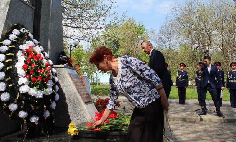 В Шахтах прошел митинг в честь 33-й годовщины аварии на Чернобыльской АЭС