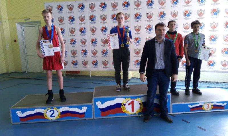 Шахтинские боксеры привезли с областного первенства девять наград