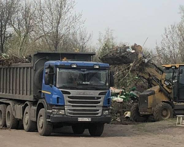 С 15 мая продолжится уборка шахтинских  кладбищ
