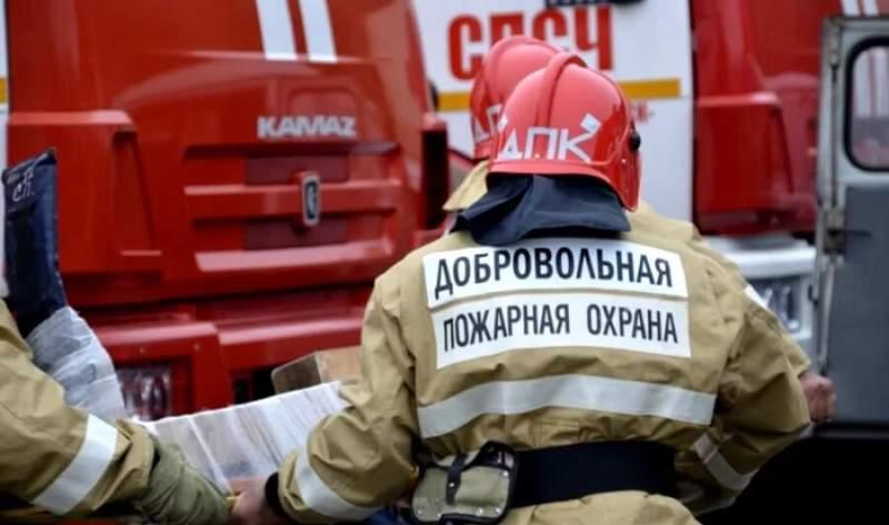 В Шахтах сгорела летняя кухня