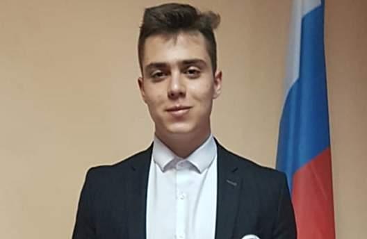 На Всероссийском конкурсе «Отечество» город Шахты представил ученик школы №5 Семен Селиванов
