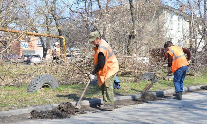 В Шахтах пятница в апреле – День чистоты
